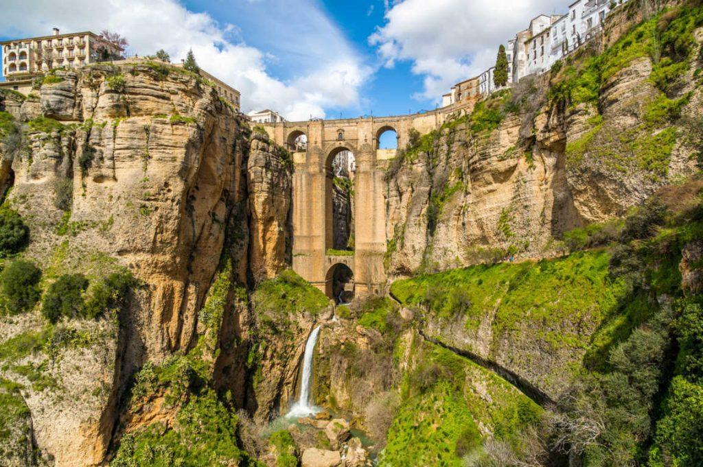 Disfruta de unos días de ocio cultural haciendo turismo por Ronda