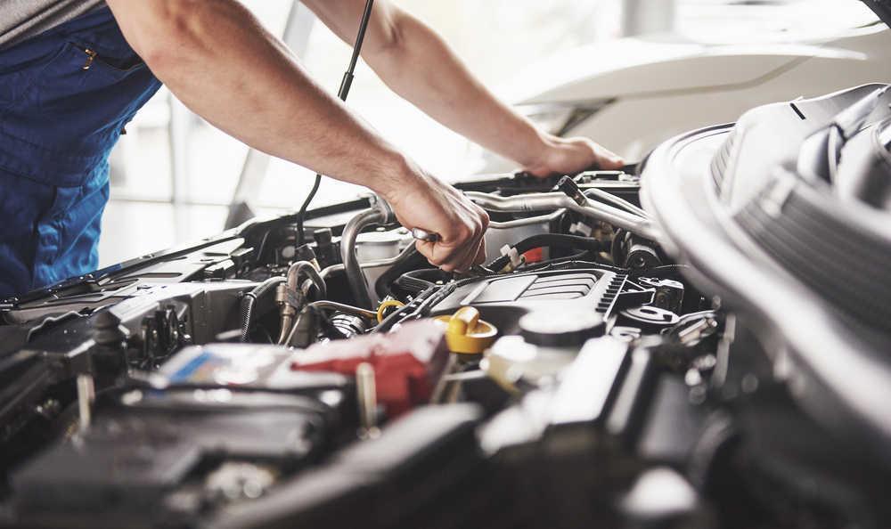 Seguimos prefiriendo reparar nuestro coche que comprar uno nuevo